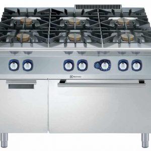 cucina industriale con forno a gas